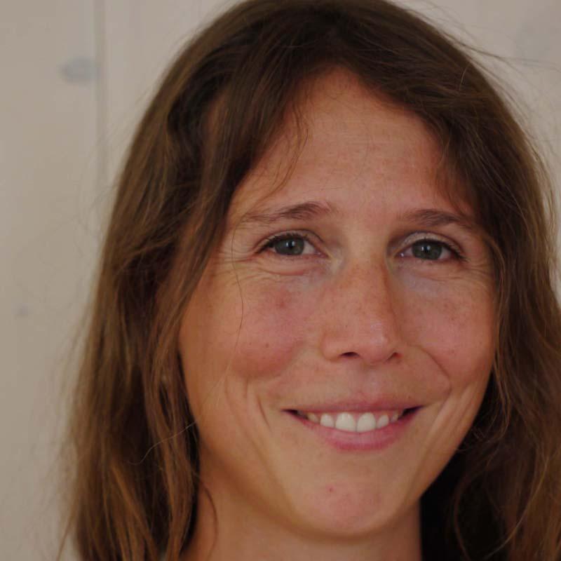 Maya Dedecker